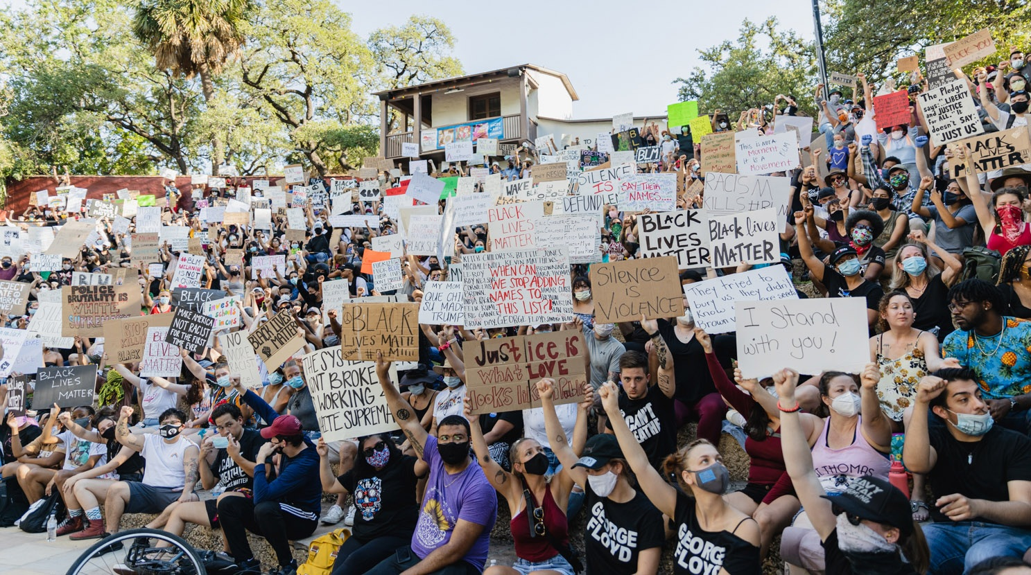 The Arneson River Theatre is packed with Black Lives Matter protestors Monday afternoon, June 8, 2020. <b><em>Photo by Isaiah Alonzo | Heron contributor</em></b>