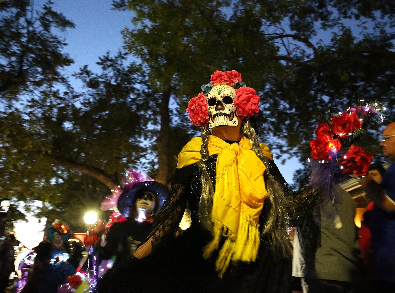 Dia De Los Muertos Enchants La Villita San Antonio Heron