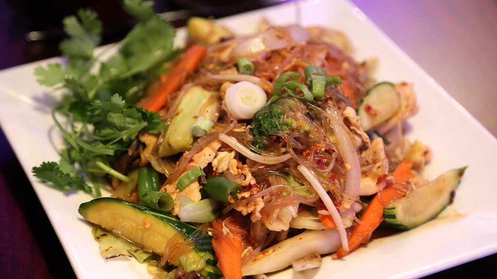 The Woon Sen dish at Thai Lucky: Fried clear noodles with various veggies in a brown Thai sauce. Photo by Ben Olivo | Heron