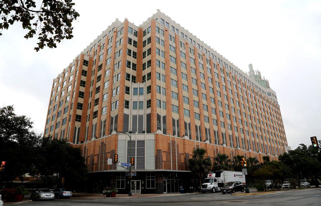 The Vistana apartment building at 100 N. Santa Rosa Ave.